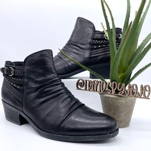 Naturalizer George Black Ankle Distressed Booties